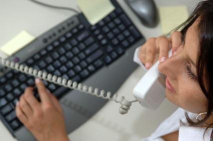 An Executive Recruiter contacts a senior executive about a CEO position